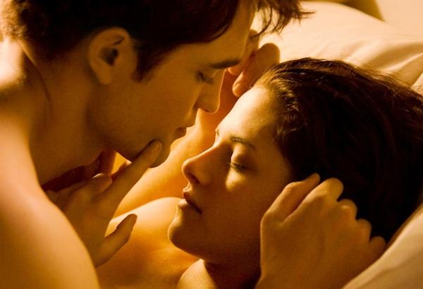 The Twilight Saga: Breaking Dawn - Part 1 - Edward and Bella in bed