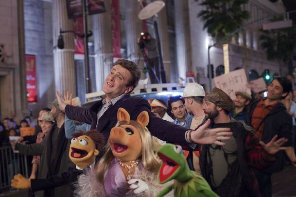 Disney's The Muppets (2011) - Life's A Happy Song