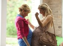 What to Expect When You're Expecting - Elizabeth Banks and Brooklyn Decker