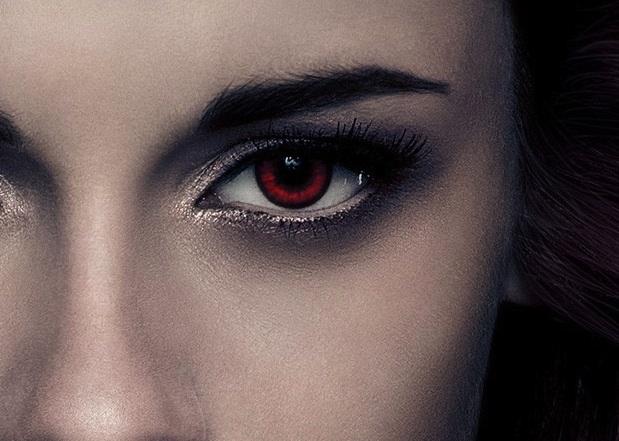 The Twilight Saga: Breaking Dawn Part 2 - Bella (Kristen Stewart) poster