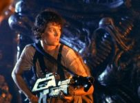 Aliens (1986) - Sigourney Weaver and gun