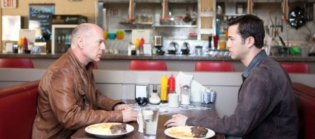 Looper - Bruce Willis and Joseph Gordon-Levitt in a diner
