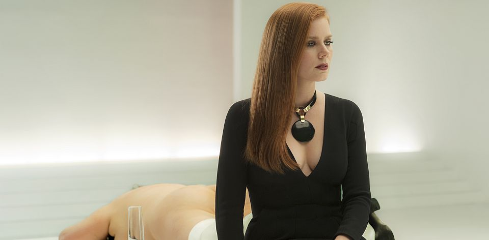 50805_AA_6087 print_v2lmCTRST+SAT3F Academy Award nominee Amy Adams stars as Susan Morrow in writer/director Tom Ford's romantic thriller NOCTURNAL ANIMALS, a Focus Features release. Credit: Merrick Morton/Focus Features