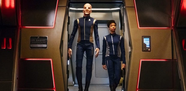 """""""The Butcher's Knife Cares Not for the Lamb's Cry"""" -- Episode 104 -- Pictured (l-r): Doug Jones as Lieutenant Saru; Sonequa Martin-Green as First Officer Michael Burnham. Photo Cr: Jan Thijs/CBS © 2017 CBS Interactive. All Rights Reserved."""