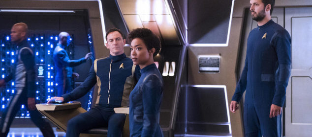 """Si Vis Pacem, Para Bellum"" -- Episode 108 -- Pictured (l-r): Jason Isaacs as Captain Gabriel Lorca; Sonequa Martin-Green as First Officer Michael Burnham; Shazad Latif as Lieutenant Ash Tyler of the CBS All Access series STAR TREK: DISCOVERY. Photo Cr: Michael Gibson/CBS © 2017 CBS Interactive. All Rights Reserved."